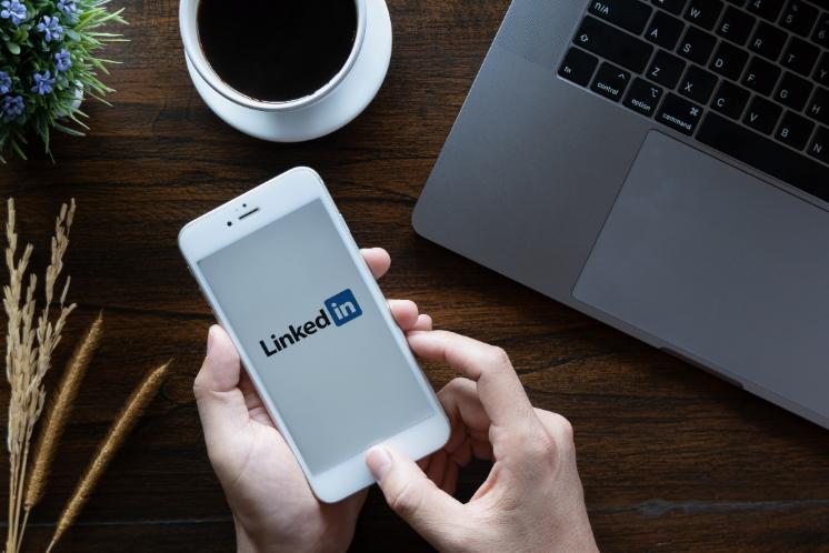 Hoy os hablaremos de cómo usar correctamente la red social profesional más usada en el mundo: LinkedIn
