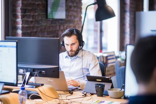 Muchas marcas utilizan Twitter como canal de atención al cliente. Descubre cuáles son las ventajas y las best practices para utilizar esta herramienta